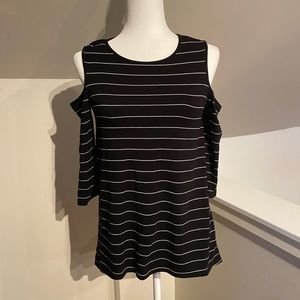 Free Shipping Vince Camuto Cold Shoulder Top
